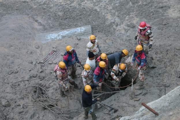 उत्तराखण्ड हिमनदीमा बाढीः ७ जनाको सव फेला १ सय ७० धेरै वेपत्ता
