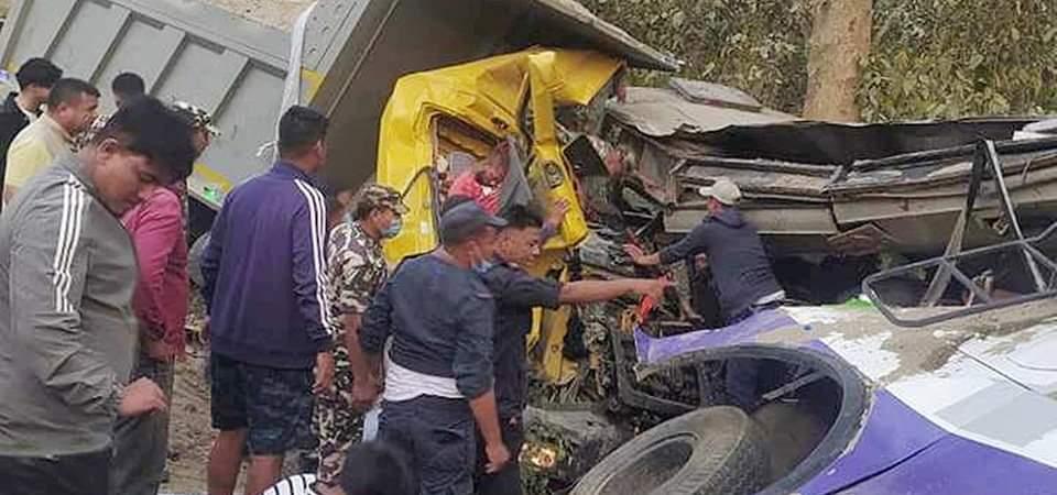कोहलपुरमा यात्रुबस दुर्घटना: ५ जनाको मृत्यु  ४२ जना घाइते ७ को अवस्था गम्भिर