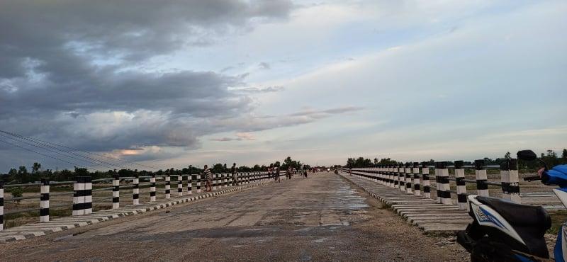 टिकटकमा भाइरल बन्दैं झापाको दमक र मोरङको  मधुमल्ला जोड्ने मावा खोला पुल(भिडियोसहित)